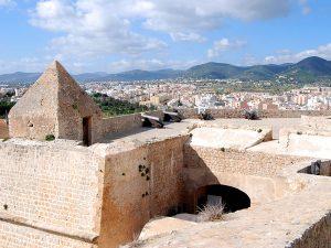 El baluarte de Sant Jaume, en la Ronda Calvi