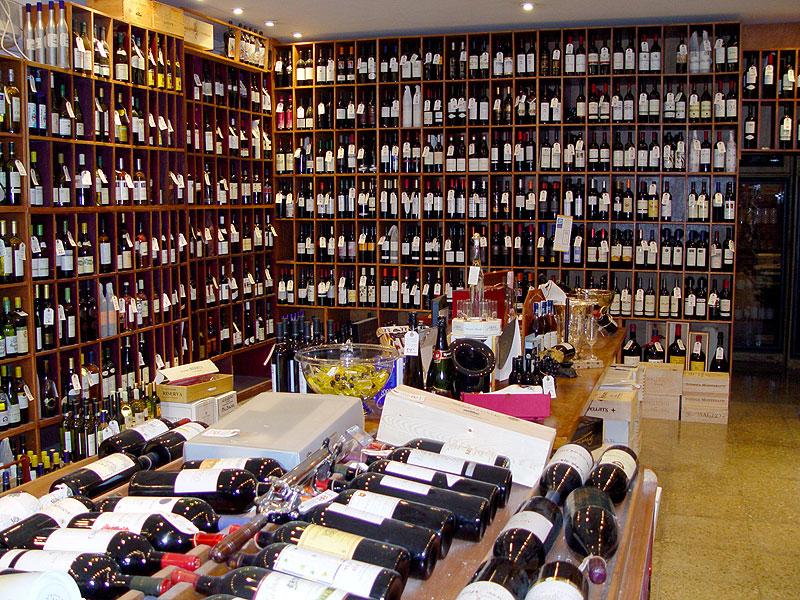 Enotecum dispone de gran variedad de vinos y licores