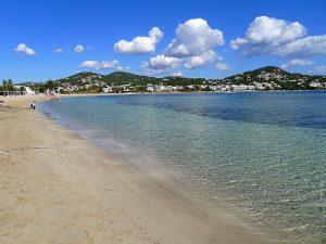 La playa de Talamanca tiene 900 metros de extensión