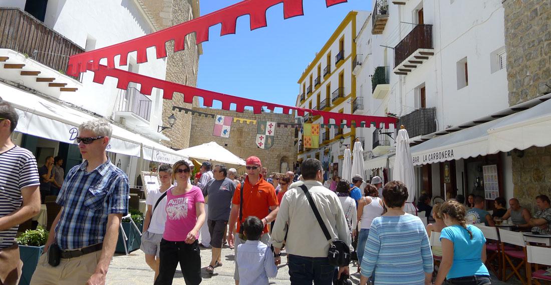 Ibiza todo el a o ajuntament d 39 eivissa for Oficina de turismo ibiza