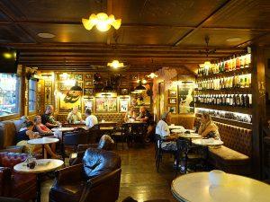 El Café Mercat, una taberna de barrio