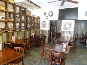 Interior del Bar Can Moreta, en el centro de la ciudad