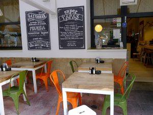 El restaurante Sa Brisa tiene dos terrazas